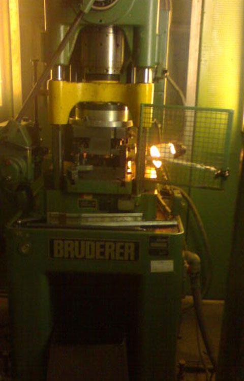 BRUDERER BSTA 30 Bruderer высокоточный автоматический пресс с ЧПУ